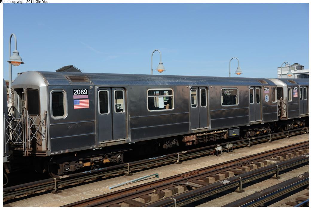 (320k, 1044x703)<br><b>Country:</b> United States<br><b>City:</b> New York<br><b>System:</b> New York City Transit<br><b>Line:</b> IRT Flushing Line<br><b>Location:</b> 33rd Street/Rawson Street <br><b>Route:</b> 7<br><b>Car:</b> R-62A (Bombardier, 1984-1987)  2069 <br><b>Photo by:</b> Gin Yee<br><b>Date:</b> 4/10/2014<br><b>Viewed (this week/total):</b> 1 / 720