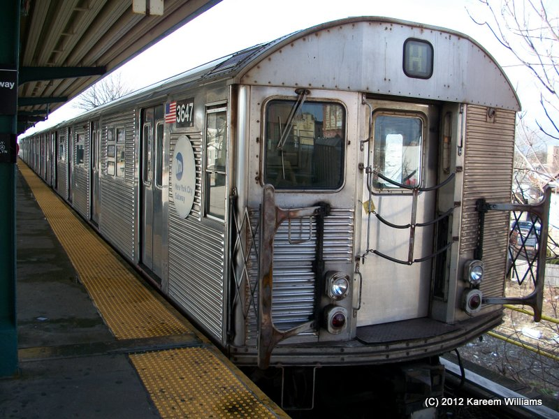 (131k, 800x600)<br><b>Country:</b> United States<br><b>City:</b> New York<br><b>System:</b> New York City Transit<br><b>Line:</b> IND Rockaway<br><b>Location:</b> Mott Avenue/Far Rockaway <br><b>Route:</b> S<br><b>Car:</b> R-32 (Budd, 1964)  3647 <br><b>Photo by:</b> Kareem Williams<br><b>Date:</b> 12/20/2012<br><b>Viewed (this week/total):</b> 0 / 624