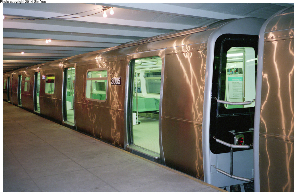 (361k, 1044x685)<br><b>Country:</b> United States<br><b>City:</b> New York<br><b>System:</b> New York City Transit<br><b>Location:</b> New York Transit Museum<br><b>Car:</b> R-110B (Bombardier, 1992) 3005 <br><b>Photo by:</b> Gin Yee<br><b>Date:</b> 11/1992<br><b>Viewed (this week/total):</b> 0 / 1601