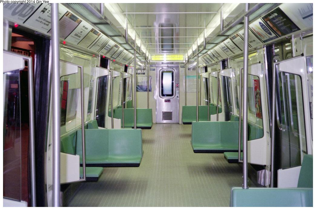 (395k, 1044x695)<br><b>Country:</b> United States<br><b>City:</b> New York<br><b>System:</b> New York City Transit<br><b>Location:</b> New York Transit Museum<br><b>Car:</b> R-110B (Bombardier, 1992) 3004 <br><b>Photo by:</b> Gin Yee<br><b>Date:</b> 11/1992<br><b>Viewed (this week/total):</b> 1 / 1343