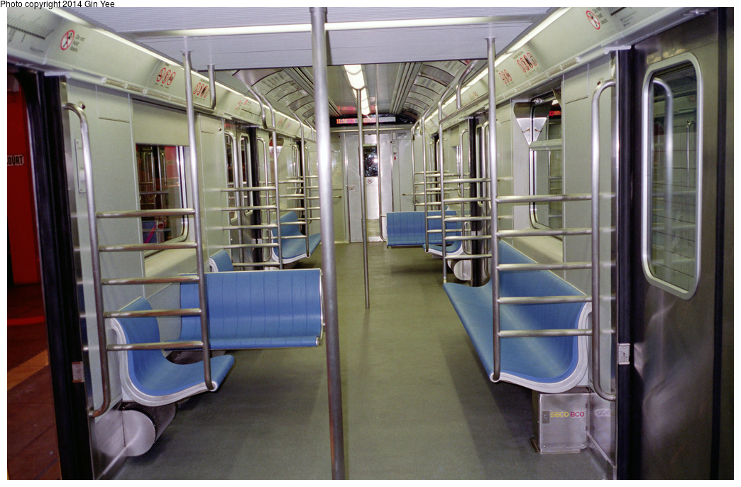 (362k, 1044x686)<br><b>Country:</b> United States<br><b>City:</b> New York<br><b>System:</b> New York City Transit<br><b>Location:</b> New York Transit Museum<br><b>Car:</b> R-110A (Kawasaki, 1992) 8006 <br><b>Photo by:</b> Gin Yee<br><b>Date:</b> 11/1992<br><b>Viewed (this week/total):</b> 1 / 1602