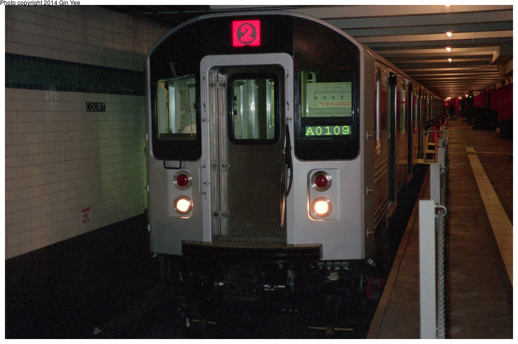 (385k, 1044x695)<br><b>Country:</b> United States<br><b>City:</b> New York<br><b>System:</b> New York City Transit<br><b>Location:</b> New York Transit Museum<br><b>Car:</b> R-110A (Kawasaki, 1992) 8006 <br><b>Photo by:</b> Gin Yee<br><b>Date:</b> 11/1992<br><b>Viewed (this week/total):</b> 1 / 1696