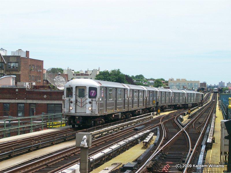 (116k, 800x600)<br><b>Country:</b> United States<br><b>City:</b> New York<br><b>System:</b> New York City Transit<br><b>Line:</b> IRT Flushing Line<br><b>Location:</b> 74th Street/Broadway <br><b>Route:</b> 7<br><b>Car:</b> R-62A (Bombardier, 1984-1987)   <br><b>Photo by:</b> Kareem Williams<br><b>Date:</b> 6/17/2009<br><b>Viewed (this week/total):</b> 3 / 892