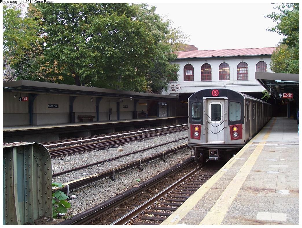 (419k, 1044x788)<br><b>Country:</b> United States<br><b>City:</b> New York<br><b>System:</b> New York City Transit<br><b>Line:</b> IRT Dyre Ave. Line<br><b>Location:</b> Morris Park <br><b>Route:</b> 5<br><b>Car:</b> R-142 or R-142A (Number Unknown)  <br><b>Photo by:</b> Omar Pagan<br><b>Date:</b> 10/19/2006<br><b>Viewed (this week/total):</b> 6 / 1200