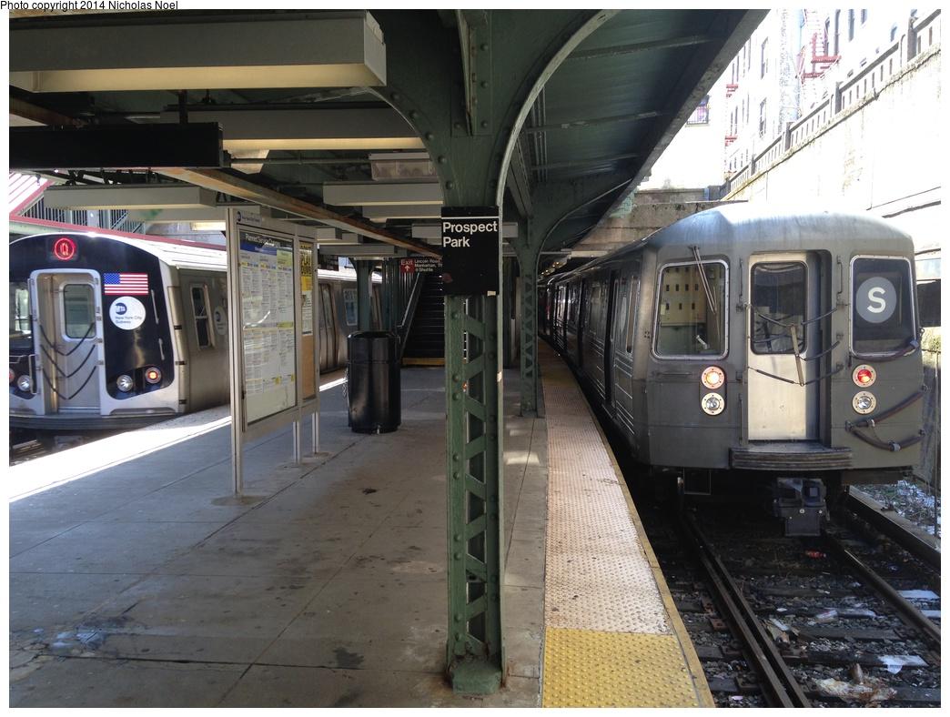 (309k, 1044x788)<br><b>Country:</b> United States<br><b>City:</b> New York<br><b>System:</b> New York City Transit<br><b>Line:</b> BMT Franklin<br><b>Location:</b> Prospect Park <br><b>Route:</b> Franklin Shuttle<br><b>Car:</b> R-68 (Westinghouse-Amrail, 1986-1988)  2919 <br><b>Photo by:</b> Nicholas Noel<br><b>Date:</b> 4/16/2014<br><b>Notes:</b> With R-160 8722 on the Q<br><b>Viewed (this week/total):</b> 2 / 1362