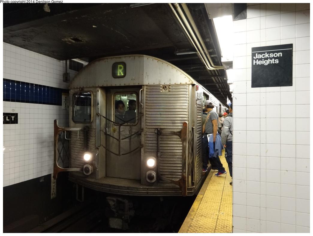 (290k, 1044x788)<br><b>Country:</b> United States<br><b>City:</b> New York<br><b>System:</b> New York City Transit<br><b>Line:</b> IND Queens Boulevard Line<br><b>Location:</b> Roosevelt Avenue <br><b>Route:</b> R<br><b>Car:</b> R-32 (Budd, 1964)  3804 <br><b>Photo by:</b> Denilson Gomez<br><b>Date:</b> 4/12/2014<br><b>Viewed (this week/total):</b> 0 / 1192