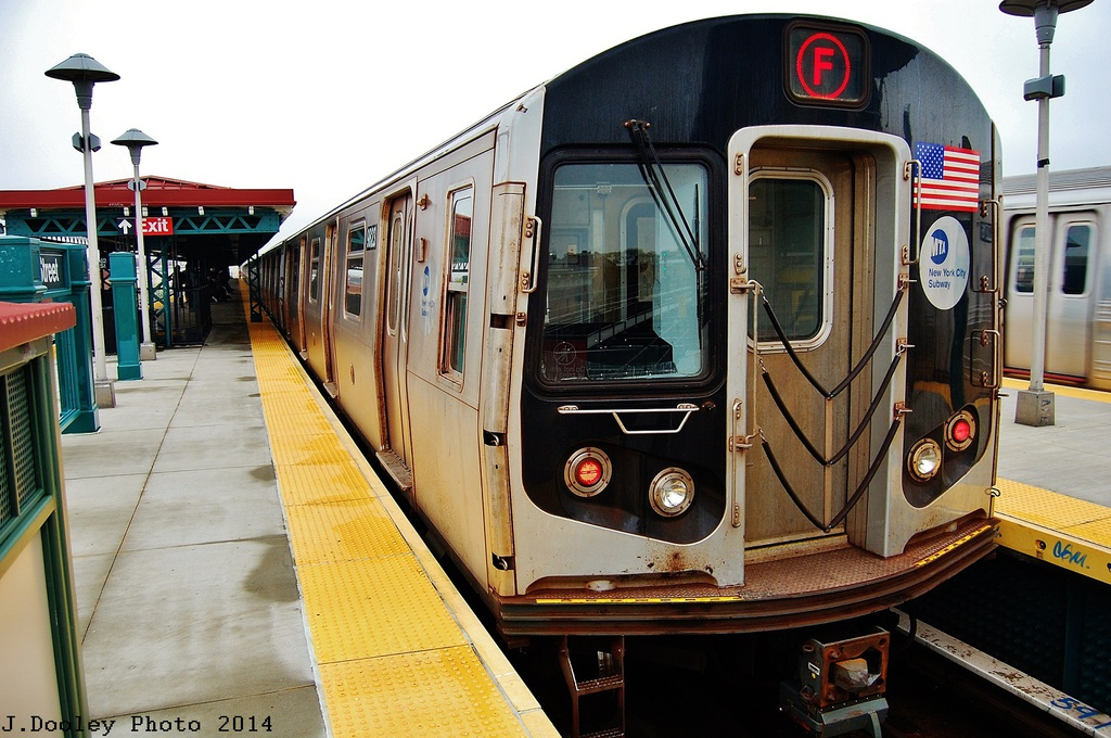 (345k, 1024x680)<br><b>Country:</b> United States<br><b>City:</b> New York<br><b>System:</b> New York City Transit<br><b>Line:</b> BMT West End Line<br><b>Location:</b> 62nd Street <br><b>Route:</b> F reroute<br><b>Car:</b> R-160B (Option 2) (Kawasaki, 2009)  9823 <br><b>Photo by:</b> John Dooley<br><b>Date:</b> 5/8/2014<br><b>Viewed (this week/total):</b> 0 / 791