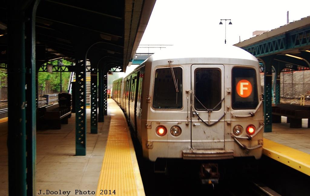 (247k, 1024x648)<br><b>Country:</b> United States<br><b>City:</b> New York<br><b>System:</b> New York City Transit<br><b>Line:</b> BMT West End Line<br><b>Location:</b> 9th Avenue <br><b>Route:</b> F reroute<br><b>Car:</b> R-46 (Pullman-Standard, 1974-75)  <br><b>Photo by:</b> John Dooley<br><b>Date:</b> 5/8/2014<br><b>Viewed (this week/total):</b> 0 / 1145