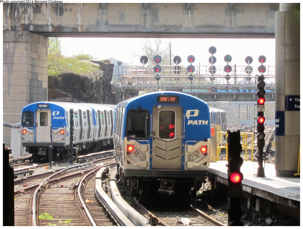 (356k, 1044x788)<br><b>Country:</b> United States<br><b>City:</b> Jersey City, NJ<br><b>System:</b> PATH<br><b>Location:</b> Journal Square <br><b>Photo by:</b> Bernard Chatreau<br><b>Date:</b> 4/18/2011<br><b>Viewed (this week/total):</b> 1 / 822