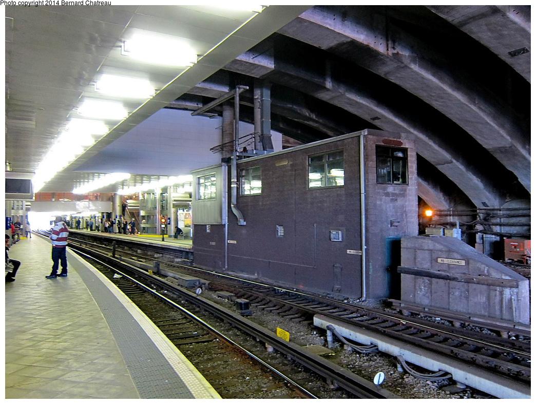 (370k, 1044x787)<br><b>Country:</b> United States<br><b>City:</b> Jersey City, NJ<br><b>System:</b> PATH<br><b>Location:</b> Journal Square <br><b>Photo by:</b> Bernard Chatreau<br><b>Date:</b> 4/18/2011<br><b>Viewed (this week/total):</b> 0 / 803