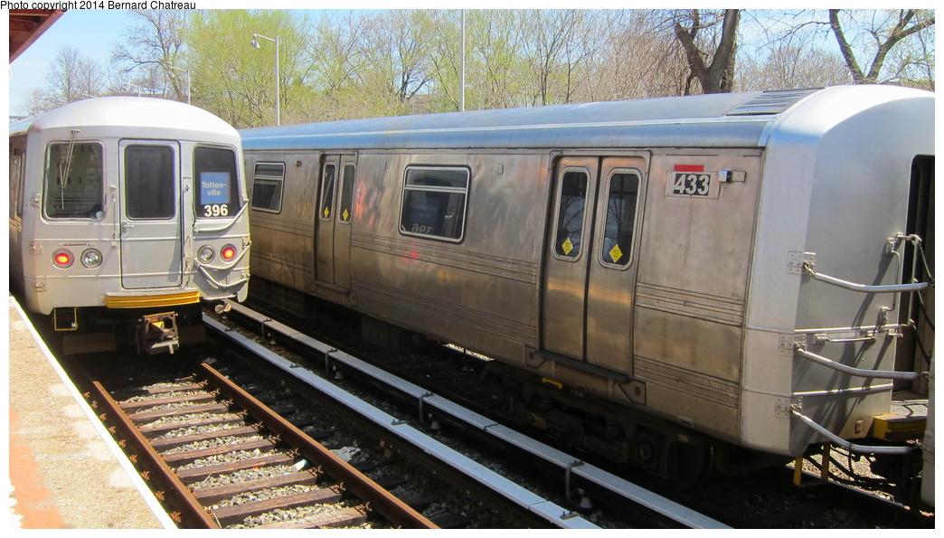 (298k, 1044x595)<br><b>Country:</b> United States<br><b>City:</b> New York<br><b>System:</b> New York City Transit<br><b>Line:</b> SIRT<br><b>Location:</b> Tottenville <br><b>Car:</b> R-44 SIRT (St. Louis, 1971-1973) 433 <br><b>Photo by:</b> Bernard Chatreau<br><b>Date:</b> 4/14/2011<br><b>Viewed (this week/total):</b> 0 / 580