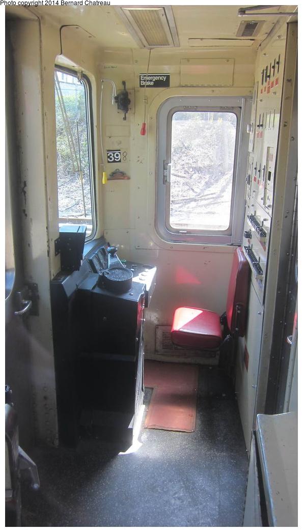(204k, 595x1045)<br><b>Country:</b> United States<br><b>City:</b> New York<br><b>System:</b> New York City Transit<br><b>Line:</b> SIRT<br><b>Location:</b> Tottenville <br><b>Car:</b> R-44 SIRT (St. Louis, 1971-1973) 398 <br><b>Photo by:</b> Bernard Chatreau<br><b>Date:</b> 4/14/2011<br><b>Viewed (this week/total):</b> 10 / 1421