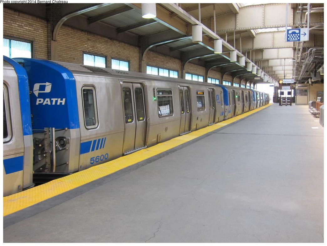 (273k, 1044x787)<br><b>Country:</b> United States<br><b>City:</b> Newark, NJ<br><b>System:</b> PATH<br><b>Location:</b> Newark (Penn Station) <br><b>Car:</b> PATH PA-5 (Kawasaki, 2009-2011) 5600 <br><b>Photo by:</b> Bernard Chatreau<br><b>Date:</b> 4/18/2011<br><b>Viewed (this week/total):</b> 2 / 676