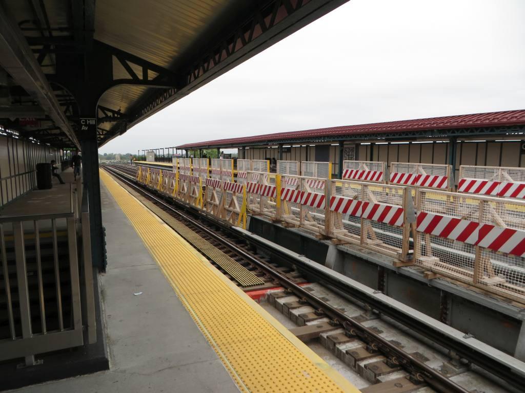 (125k, 1024x768)<br><b>Country:</b> United States<br><b>City:</b> New York<br><b>System:</b> New York City Transit<br><b>Line:</b> IRT Pelham Line<br><b>Location:</b> Castle Hill Avenue <br><b>Photo by:</b> Robbie Rosenfeld<br><b>Date:</b> 5/14/2014<br><b>Viewed (this week/total):</b> 0 / 1115