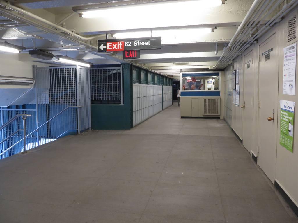 (99k, 1024x768)<br><b>Country:</b> United States<br><b>City:</b> New York<br><b>System:</b> New York City Transit<br><b>Line:</b> BMT Myrtle Avenue Line<br><b>Location:</b> Fresh Pond Road <br><b>Photo by:</b> Robbie Rosenfeld<br><b>Date:</b> 5/12/2014<br><b>Viewed (this week/total):</b> 3 / 1508