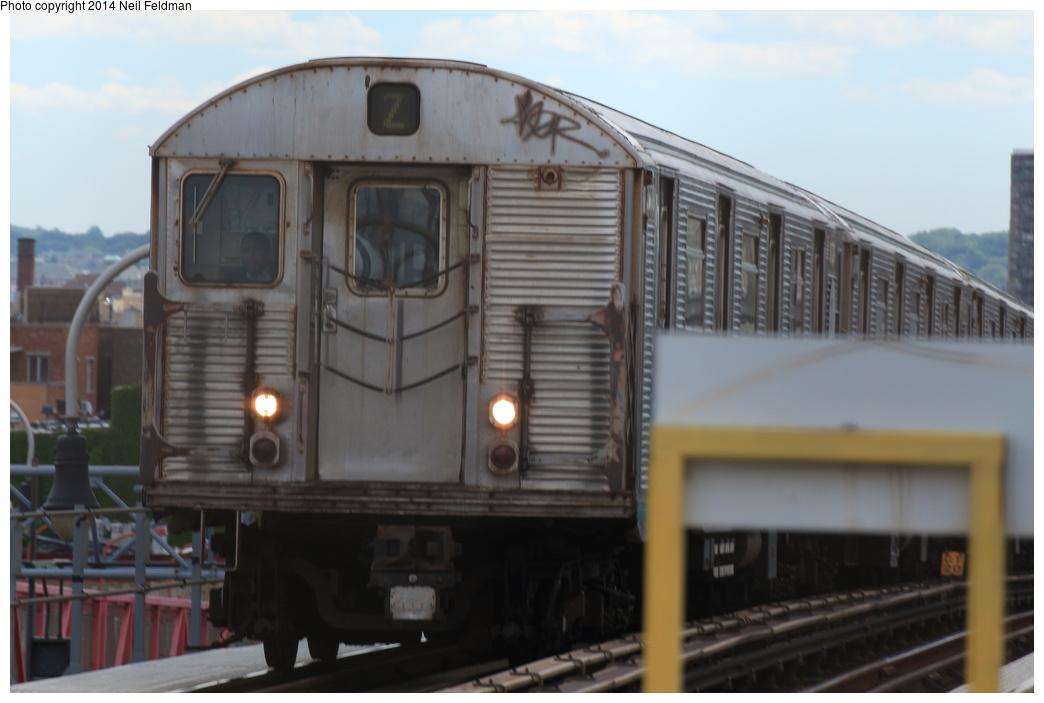 (202k, 1044x703)<br><b>Country:</b> United States<br><b>City:</b> New York<br><b>System:</b> New York City Transit<br><b>Line:</b> BMT Nassau Street/Jamaica Line<br><b>Location:</b> Williamsburg Bridge<br><b>Route:</b> Z<br><b>Car:</b> R-32 (Budd, 1964)  3779 <br><b>Photo by:</b> Neil Feldman<br><b>Date:</b> 6/6/2014<br><b>Viewed (this week/total):</b> 0 / 785