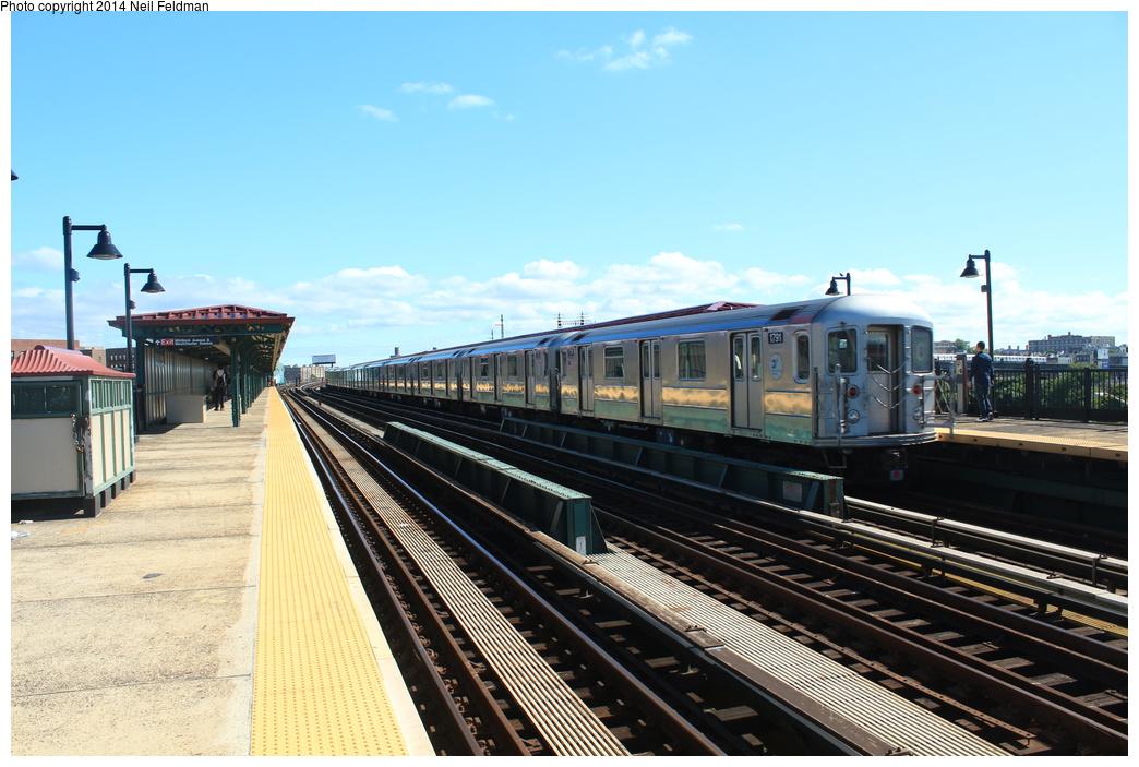 (309k, 1044x703)<br><b>Country:</b> United States<br><b>City:</b> New York<br><b>System:</b> New York City Transit<br><b>Line:</b> IRT Pelham Line<br><b>Location:</b> Whitlock Avenue <br><b>Route:</b> 6<br><b>Car:</b> R-62A (Bombardier, 1984-1987)  1791 <br><b>Photo by:</b> Neil Feldman<br><b>Date:</b> 6/6/2014<br><b>Viewed (this week/total):</b> 0 / 1333