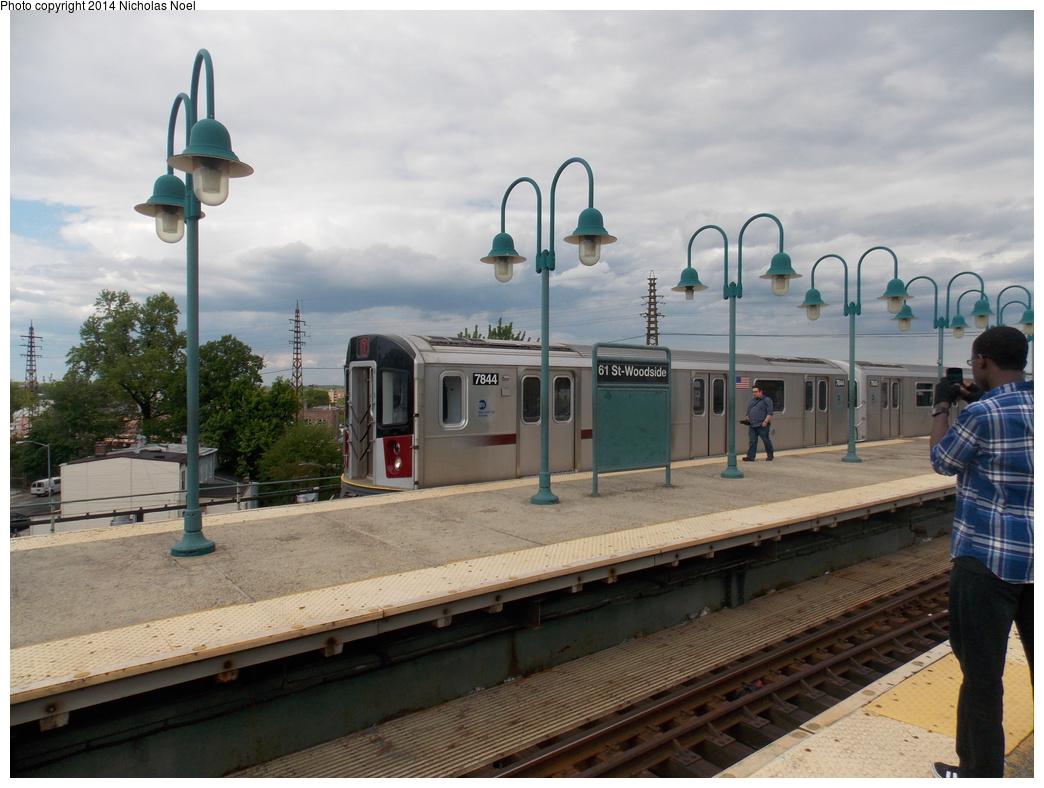 (347k, 1044x788)<br><b>Country:</b> United States<br><b>City:</b> New York<br><b>System:</b> New York City Transit<br><b>Line:</b> IRT Flushing Line<br><b>Location:</b> 61st Street/Woodside <br><b>Route:</b> 7<br><b>Car:</b> R-188 (Kawasaki, 2012-) 7844 <br><b>Photo by:</b> Nicholas Noel<br><b>Date:</b> 5/18/2013<br><b>Viewed (this week/total):</b> 5 / 1044