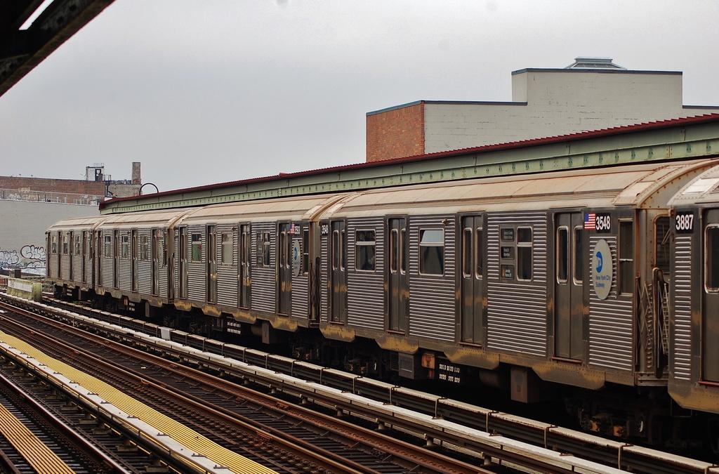 (352k, 1024x675)<br><b>Country:</b> United States<br><b>City:</b> New York<br><b>System:</b> New York City Transit<br><b>Line:</b> BMT Nassau Street/Jamaica Line<br><b>Location:</b> Gates Avenue <br><b>Route:</b> J<br><b>Car:</b> R-32 (Budd, 1964)  3548 <br><b>Photo by:</b> John Dooley<br><b>Date:</b> 6/9/2014<br><b>Viewed (this week/total):</b> 4 / 815