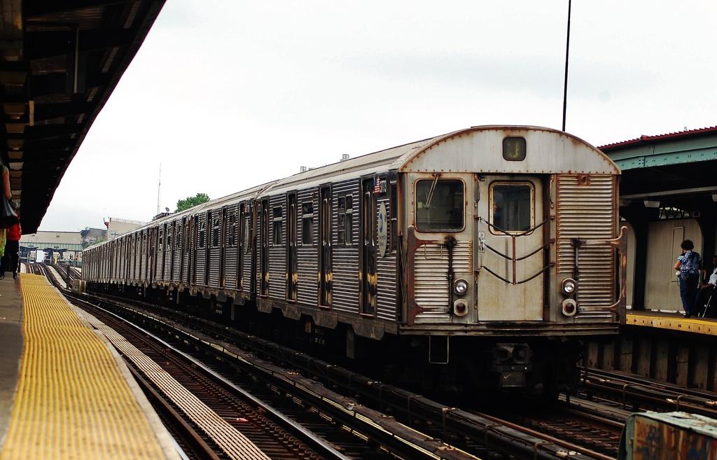 (298k, 1024x657)<br><b>Country:</b> United States<br><b>City:</b> New York<br><b>System:</b> New York City Transit<br><b>Line:</b> BMT Nassau Street/Jamaica Line<br><b>Location:</b> Halsey Street <br><b>Route:</b> J<br><b>Car:</b> R-32 (Budd, 1964)  3773 <br><b>Photo by:</b> John Dooley<br><b>Date:</b> 6/9/2014<br><b>Viewed (this week/total):</b> 4 / 954
