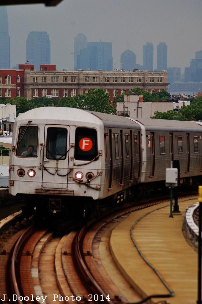 (287k, 680x1023)<br><b>Country:</b> United States<br><b>City:</b> New York<br><b>System:</b> New York City Transit<br><b>Line:</b> IND Crosstown Line<br><b>Location:</b> Smith/9th Street <br><b>Route:</b> F<br><b>Car:</b> R-46 (Pullman-Standard, 1974-75) 5546 <br><b>Photo by:</b> John Dooley<br><b>Date:</b> 6/9/2014<br><b>Viewed (this week/total):</b> 0 / 745