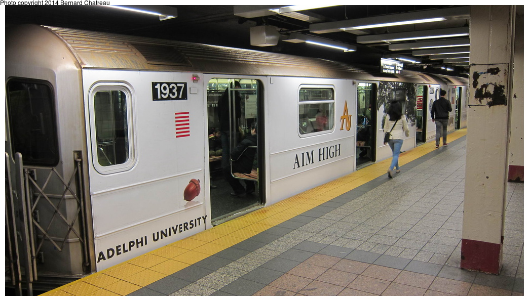 (262k, 1044x595)<br><b>Country:</b> United States<br><b>City:</b> New York<br><b>System:</b> New York City Transit<br><b>Line:</b> IRT Times Square-Grand Central Shuttle<br><b>Location:</b> Grand Central <br><b>Route:</b> S<br><b>Car:</b> R-62A (Bombardier, 1984-1987)  1937 <br><b>Photo by:</b> Bernard Chatreau<br><b>Date:</b> 4/8/2011<br><b>Viewed (this week/total):</b> 0 / 581