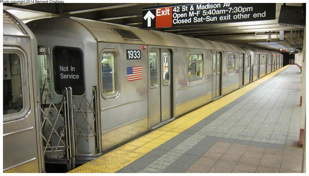 (283k, 1044x594)<br><b>Country:</b> United States<br><b>City:</b> New York<br><b>System:</b> New York City Transit<br><b>Line:</b> IRT Times Square-Grand Central Shuttle<br><b>Location:</b> Grand Central <br><b>Route:</b> S<br><b>Car:</b> R-62A (Bombardier, 1984-1987)  1933 <br><b>Photo by:</b> Bernard Chatreau<br><b>Date:</b> 4/8/2011<br><b>Viewed (this week/total):</b> 1 / 618