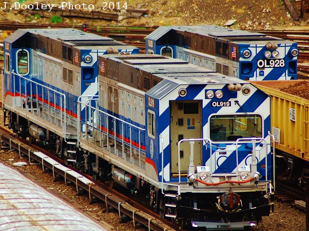 (503k, 1024x767)<br><b>Country:</b> United States<br><b>City:</b> New York<br><b>System:</b> New York City Transit<br><b>Location:</b> Concourse Yard<br><b>Car:</b> R-156 Diesel-Electric Locomotive (MPI, 2012-2013) 919/917 <br><b>Photo by:</b> John Dooley<br><b>Date:</b> 6/19/2014<br><b>Viewed (this week/total):</b> 3 / 853