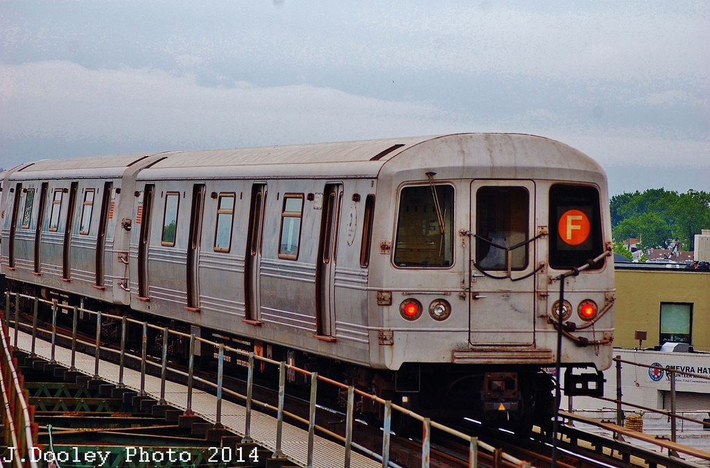 (345k, 1024x675)<br><b>Country:</b> United States<br><b>City:</b> New York<br><b>System:</b> New York City Transit<br><b>Line:</b> BMT Culver Line<br><b>Location:</b> 18th Avenue <br><b>Route:</b> F<br><b>Car:</b> R-46 (Pullman-Standard, 1974-75) 5500 <br><b>Photo by:</b> John Dooley<br><b>Date:</b> 6/9/2014<br><b>Viewed (this week/total):</b> 1 / 733