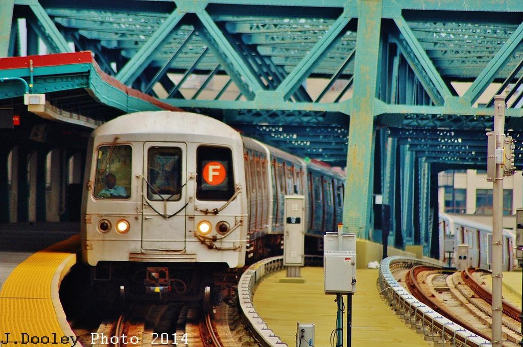 (392k, 1024x680)<br><b>Country:</b> United States<br><b>City:</b> New York<br><b>System:</b> New York City Transit<br><b>Line:</b> IND Crosstown Line<br><b>Location:</b> Smith/9th Street <br><b>Route:</b> F<br><b>Car:</b> R-46 (Pullman-Standard, 1974-75) 5700 <br><b>Photo by:</b> John Dooley<br><b>Date:</b> 6/9/2014<br><b>Viewed (this week/total):</b> 7 / 1099