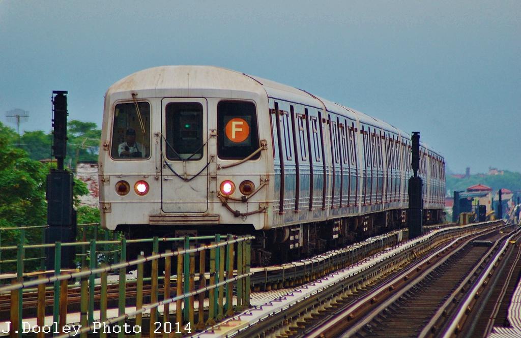 (333k, 1024x665)<br><b>Country:</b> United States<br><b>City:</b> New York<br><b>System:</b> New York City Transit<br><b>Line:</b> BMT Culver Line<br><b>Location:</b> 18th Avenue <br><b>Route:</b> F<br><b>Car:</b> R-46 (Pullman-Standard, 1974-75) 5800 <br><b>Photo by:</b> John Dooley<br><b>Date:</b> 6/9/2014<br><b>Viewed (this week/total):</b> 0 / 881