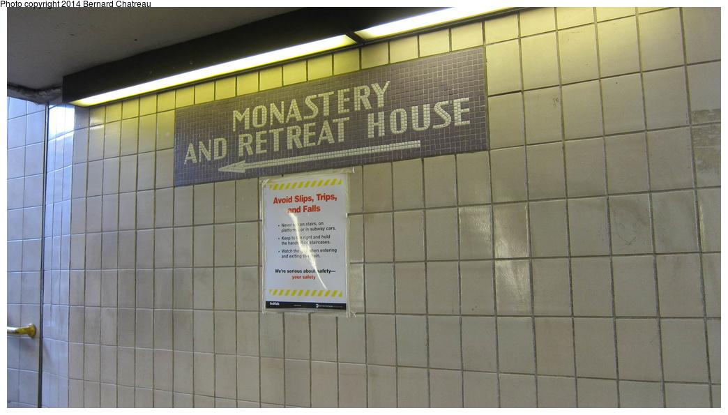 (214k, 1044x595)<br><b>Country:</b> United States<br><b>City:</b> New York<br><b>System:</b> New York City Transit<br><b>Line:</b> IND Queens Boulevard Line<br><b>Location:</b> 179th Street <br><b>Photo by:</b> Bernard Chatreau<br><b>Date:</b> 9/28/2011<br><b>Viewed (this week/total):</b> 3 / 1113
