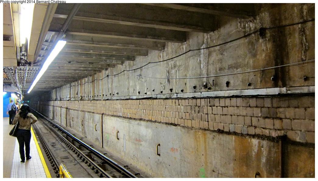 (289k, 1044x595)<br><b>Country:</b> United States<br><b>City:</b> New York<br><b>System:</b> New York City Transit<br><b>Line:</b> IND 63rd Street Line<br><b>Location:</b> Lexington Avenue-63rd Street<br><b>Photo by:</b> Bernard Chatreau<br><b>Date:</b> 9/28/2011<br><b>Viewed (this week/total):</b> 1 / 1893