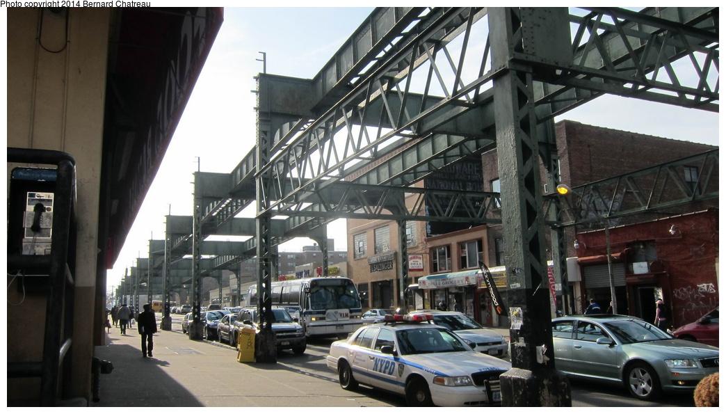 (269k, 1044x595)<br><b>Country:</b> United States<br><b>City:</b> New York<br><b>System:</b> New York City Transit<br><b>Line:</b> BMT Nassau Street/Jamaica Line<br><b>Location:</b> Myrtle Avenue <br><b>Photo by:</b> Bernard Chatreau<br><b>Date:</b> 4/11/2011<br><b>Viewed (this week/total):</b> 2 / 1193