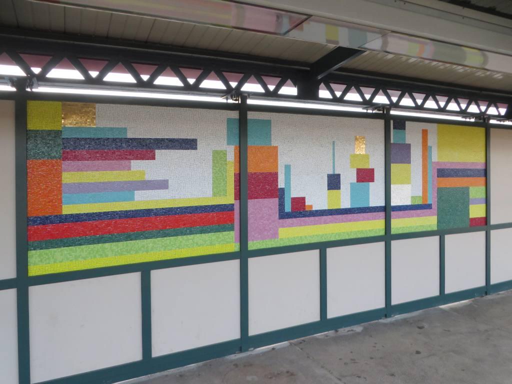 (103k, 1024x768)<br><b>Country:</b> United States<br><b>City:</b> New York<br><b>System:</b> New York City Transit<br><b>Line:</b> IRT Pelham Line<br><b>Location:</b> Buhre Avenue <br><b>Photo by:</b> Robbie Rosenfeld<br><b>Date:</b> 5/12/2015<br><b>Artwork:</b> <i>Have a Happy Day</i>, Soonae Tark (2015).<br><b>Viewed (this week/total):</b> 2 / 794