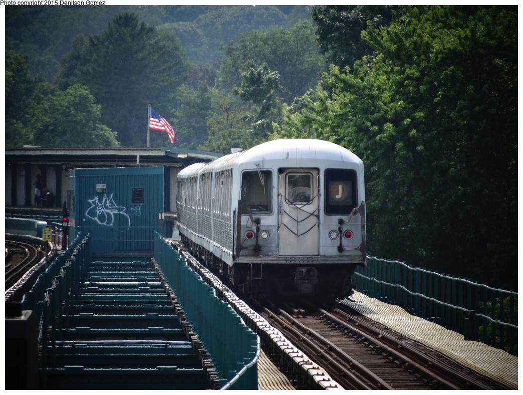 (376k, 1044x788)<br><b>Country:</b> United States<br><b>City:</b> New York<br><b>System:</b> New York City Transit<br><b>Line:</b> BMT Nassau Street/Jamaica Line<br><b>Location:</b> 75th Street/Elderts Lane <br><b>Route:</b> J<br><b>Car:</b> R-42 (St. Louis, 1969-1970)   <br><b>Photo by:</b> Denilson Gomez<br><b>Date:</b> 7/3/2014<br><b>Viewed (this week/total):</b> 1 / 807