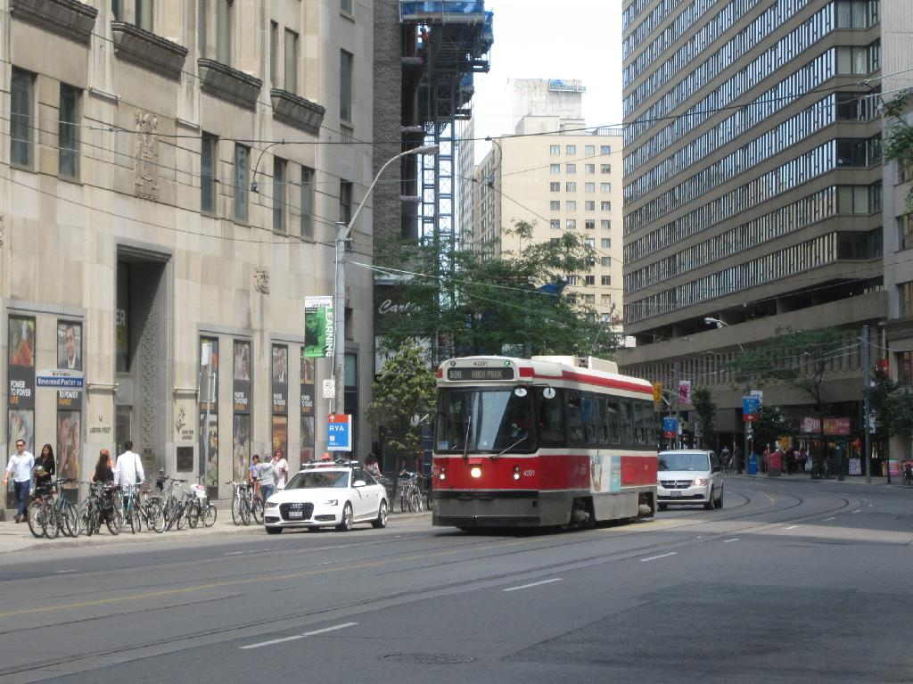(146k, 1024x767)<br><b>Country:</b> Canada<br><b>City:</b> Toronto<br><b>System:</b> TTC<br><b>Line:</b> TTC 506-Carlton<br><b>Location:</b> Carlton/College/Yonge <br><b>Car:</b> TTC CLRV 4001 <br><b>Photo by:</b> Collection of nycsubway.org <br><b>Date:</b> 7/3/2015<br><b>Notes:</b> Approaching Yonge westbound.<br><b>Viewed (this week/total):</b> 1 / 466