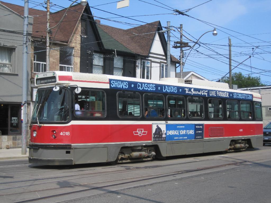 (139k, 1024x768)<br><b>Country:</b> Canada<br><b>City:</b> Toronto<br><b>System:</b> TTC<br><b>Line:</b> TTC 505-Dundas<br><b>Location:</b> Dundas/Howard Park<br><b>Car:</b> TTC CLRV 4018 <br><b>Photo by:</b> Collection of nycsubway.org<br><b>Date:</b> 7/3/2015<br><b>Notes:</b> Eastbound.<br><b>Viewed (this week/total):</b> 0 / 420