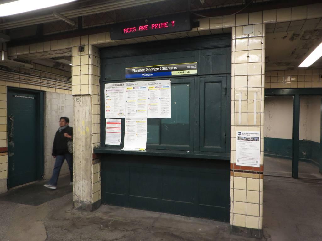 (92k, 1024x768)<br><b>Country:</b> United States<br><b>City:</b> New York<br><b>System:</b> New York City Transit<br><b>Line:</b> BMT Culver Line<br><b>Location:</b> Kings Highway <br><b>Photo by:</b> Robbie Rosenfeld<br><b>Date:</b> 10/7/2014<br><b>Notes:</b> Old token booth<br><b>Viewed (this week/total):</b> 1 / 1124