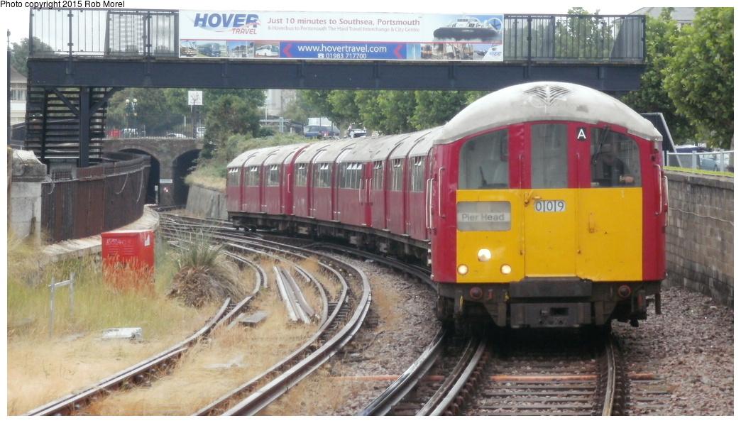 (274k, 1044x596)<br><b>Country:</b> United Kingdom<br><b>City:</b> Isle of Wight<br><b>System:</b> Island Line<br><b>Location:</b> Ryde Esplanade <br><b>Car:</b> 1938 Tube Stock 009/008 <br><b>Photo by:</b> Rob Morel<br><b>Date:</b> 8/2/2014<br><b>Viewed (this week/total):</b> 1 / 798