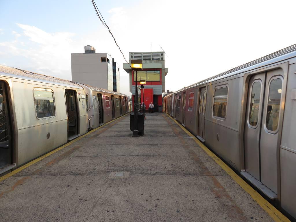 (110k, 1024x768)<br><b>Country:</b> United States<br><b>City:</b> New York<br><b>System:</b> New York City Transit<br><b>Line:</b> BMT Astoria Line<br><b>Location:</b> Ditmars Boulevard <br><b>Photo by:</b> Robbie Rosenfeld<br><b>Date:</b> 9/9/2015<br><b>Viewed (this week/total):</b> 1 / 696