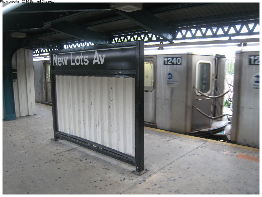 (272k, 1044x787)<br><b>Country:</b> United States<br><b>City:</b> New York<br><b>System:</b> New York City Transit<br><b>Line:</b> IRT Brooklyn Line<br><b>Location:</b> New Lots Avenue <br><b>Photo by:</b> Bernard Chatreau<br><b>Date:</b> 9/28/2011<br><b>Viewed (this week/total):</b> 3 / 899