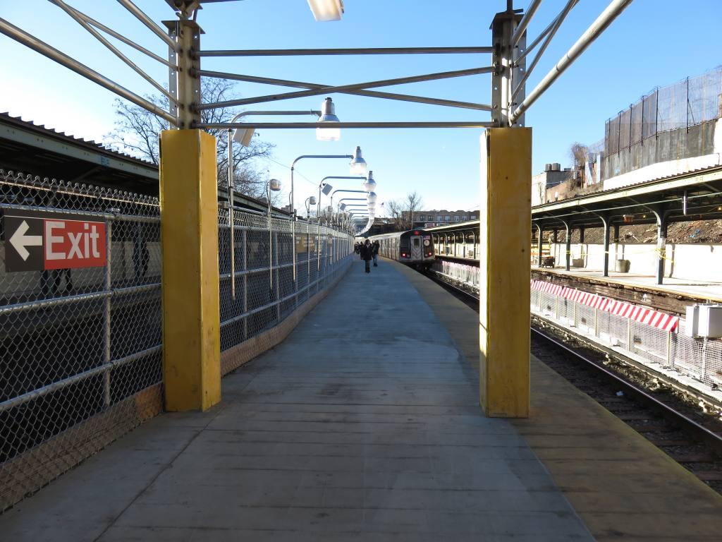 (137k, 1024x768)<br><b>Country:</b> United States<br><b>City:</b> New York<br><b>System:</b> New York City Transit<br><b>Line:</b> BMT Sea Beach Line<br><b>Location:</b> 8th Avenue <br><b>Photo by:</b> Robbie Rosenfeld<br><b>Date:</b> 2/18/2016<br><b>Notes:</b> Station renovations.<br><b>Viewed (this week/total):</b> 2 / 1147