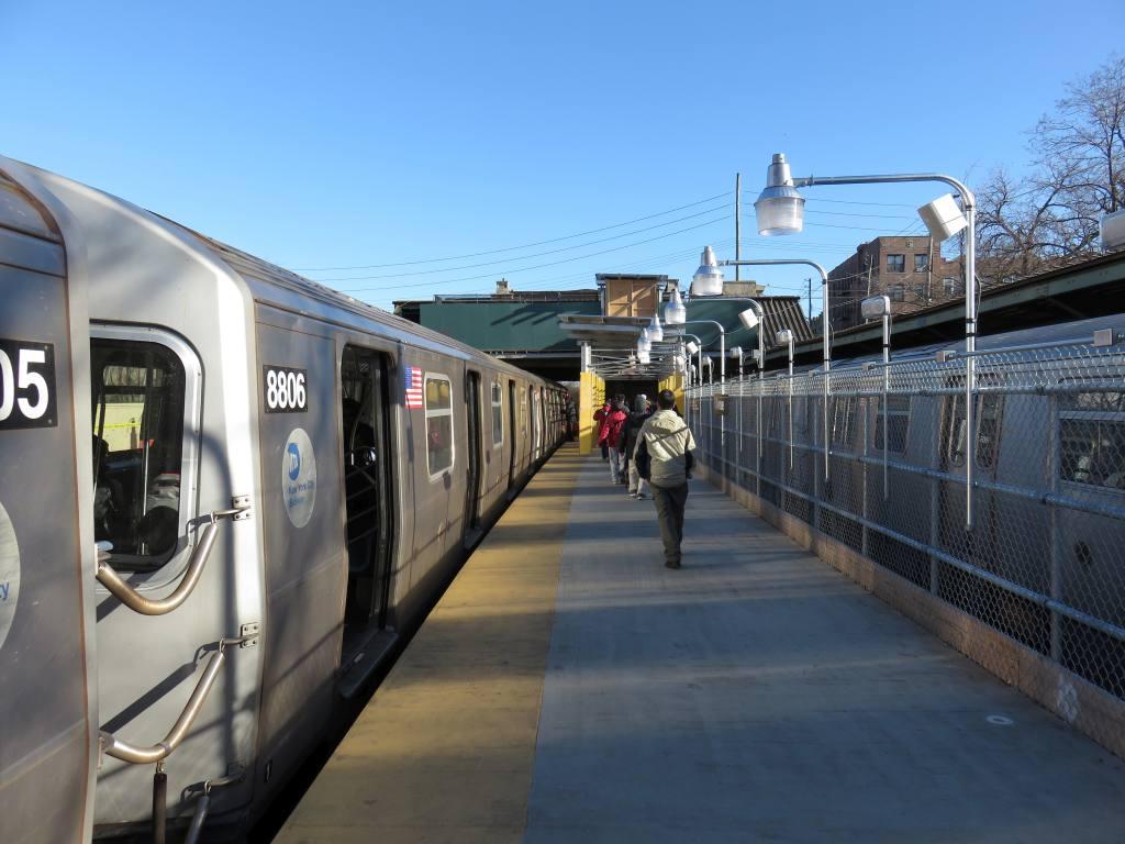 (114k, 1024x768)<br><b>Country:</b> United States<br><b>City:</b> New York<br><b>System:</b> New York City Transit<br><b>Line:</b> BMT Sea Beach Line<br><b>Location:</b> 8th Avenue <br><b>Photo by:</b> Robbie Rosenfeld<br><b>Date:</b> 2/18/2016<br><b>Notes:</b> Temporary platform.<br><b>Viewed (this week/total):</b> 1 / 897