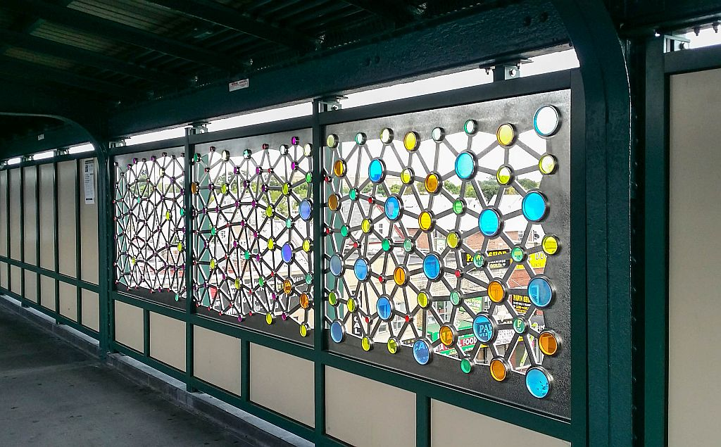 (210k, 1024x635)<br><b>Country:</b> United States<br><b>City:</b> New York<br><b>System:</b> New York City Transit<br><b>Line:</b> IND Fulton Street Line<br><b>Location:</b> Rockaway Boulevard <br><b>Photo by:</b> John Barnes<br><b>Date:</b> 9/9/2015<br><b>Artwork:</b> <i>Connections</i>, Ray King (2015).<br><b>Viewed (this week/total):</b> 4 / 511