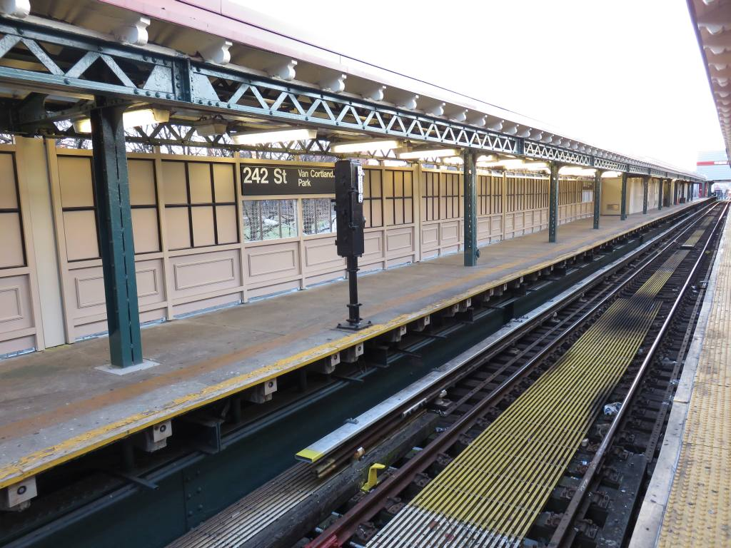 (158k, 1024x768)<br><b>Country:</b> United States<br><b>City:</b> New York<br><b>System:</b> New York City Transit<br><b>Line:</b> IRT West Side Line<br><b>Location:</b> 242nd Street/Van Cortlandt Park <br><b>Photo by:</b> Robbie Rosenfeld<br><b>Date:</b> 12/3/2015<br><b>Notes:</b> Platform view.<br><b>Viewed (this week/total):</b> 5 / 1289