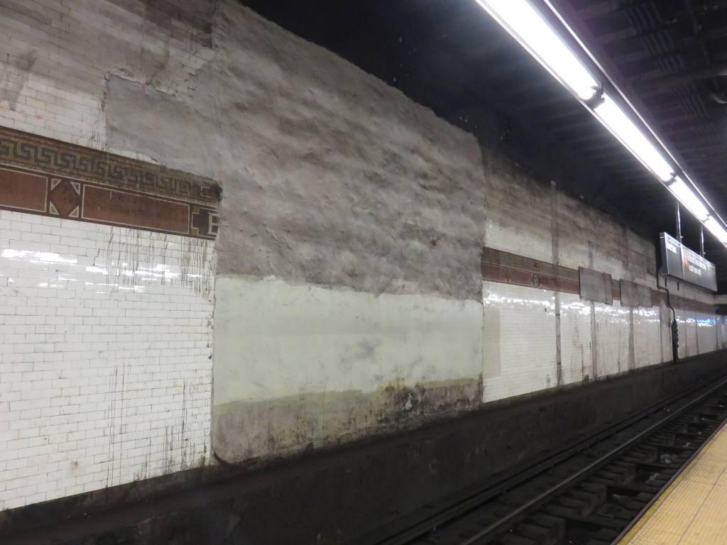 (97k, 1024x768)<br><b>Country:</b> United States<br><b>City:</b> New York<br><b>System:</b> New York City Transit<br><b>Line:</b> BMT Nassau Street/Jamaica Line<br><b>Location:</b> Bowery <br><b>Photo by:</b> Robbie Rosenfeld<br><b>Date:</b> 12/3/2015<br><b>Viewed (this week/total):</b> 9 / 1035