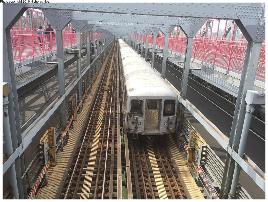 (396k, 1044x788)<br><b>Country:</b> United States<br><b>City:</b> New York<br><b>System:</b> New York City Transit<br><b>Line:</b> BMT Nassau Street/Jamaica Line<br><b>Location:</b> Williamsburg Bridge<br><b>Route:</b> J<br><b>Car:</b> R-42 (St. Louis, 1969-1970)   <br><b>Photo by:</b> Nicholas Noel<br><b>Date:</b> 5/14/2016<br><b>Viewed (this week/total):</b> 0 / 703