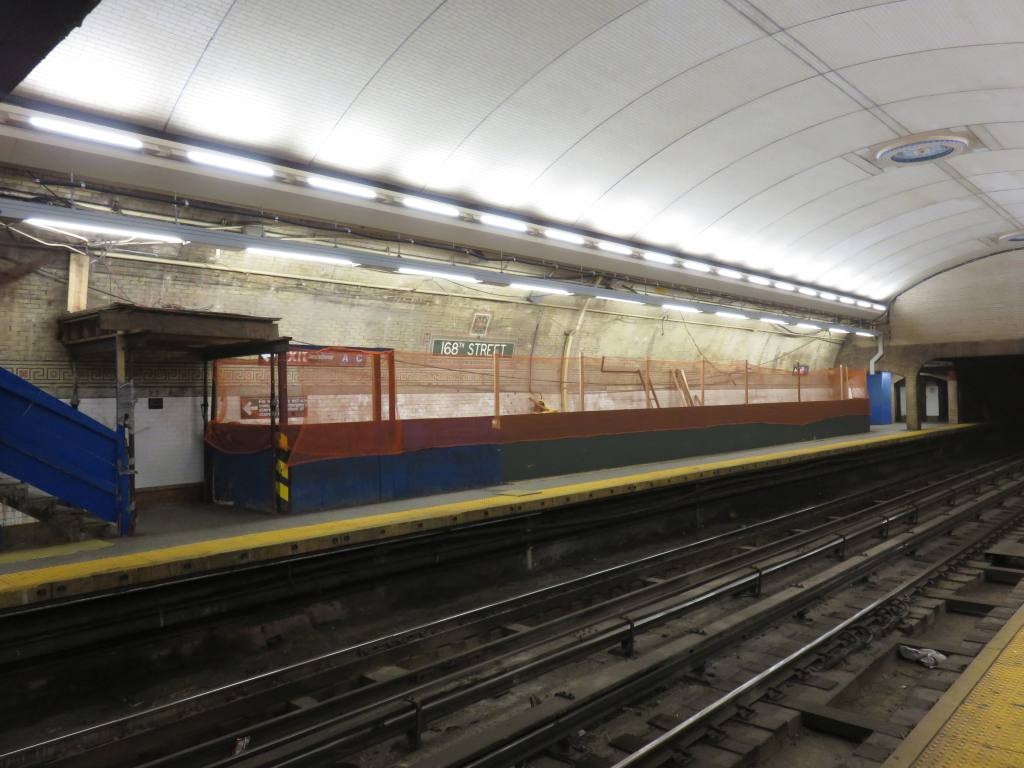 (112k, 1024x768)<br><b>Country:</b> United States<br><b>City:</b> New York<br><b>System:</b> New York City Transit<br><b>Line:</b> IRT West Side Line<br><b>Location:</b> 168th Street <br><b>Photo by:</b> Robbie Rosenfeld<br><b>Date:</b> 5/25/2016<br><b>Notes:</b> Scaffolding has been removed showing renovated ceiling<br><b>Viewed (this week/total):</b> 4 / 1127