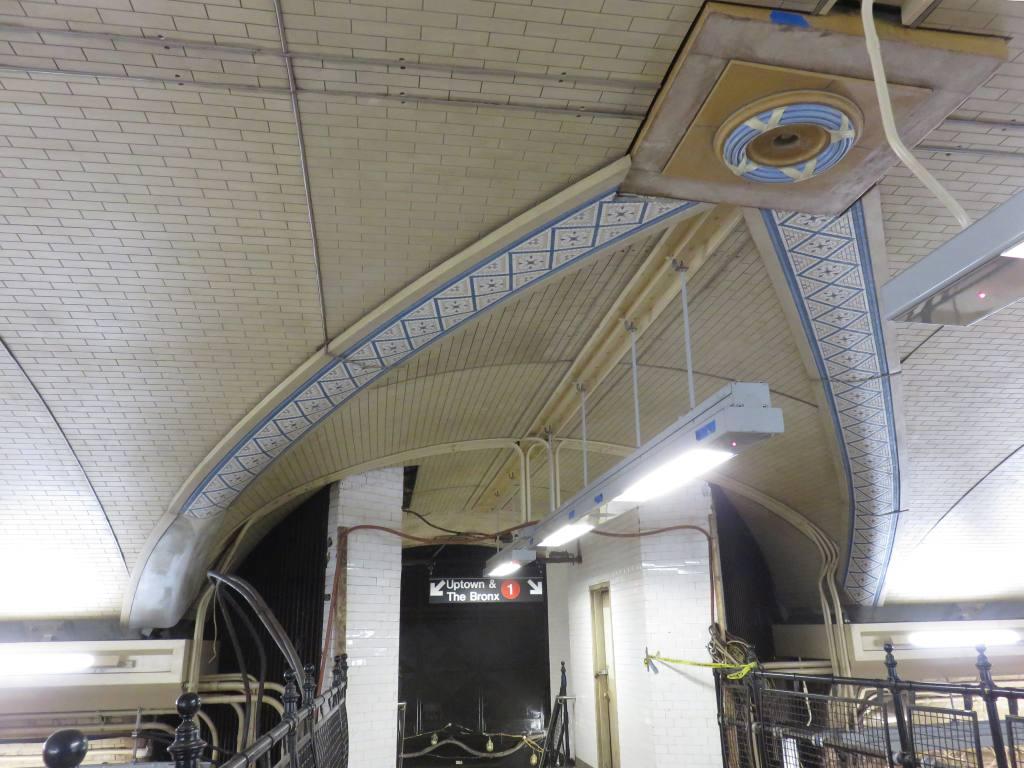 (124k, 1024x768)<br><b>Country:</b> United States<br><b>City:</b> New York<br><b>System:</b> New York City Transit<br><b>Line:</b> IRT West Side Line<br><b>Location:</b> 168th Street <br><b>Photo by:</b> Robbie Rosenfeld<br><b>Date:</b> 5/25/2016<br><b>Notes:</b> Scaffolding has been removed showing renovated ceiling<br><b>Viewed (this week/total):</b> 0 / 1134